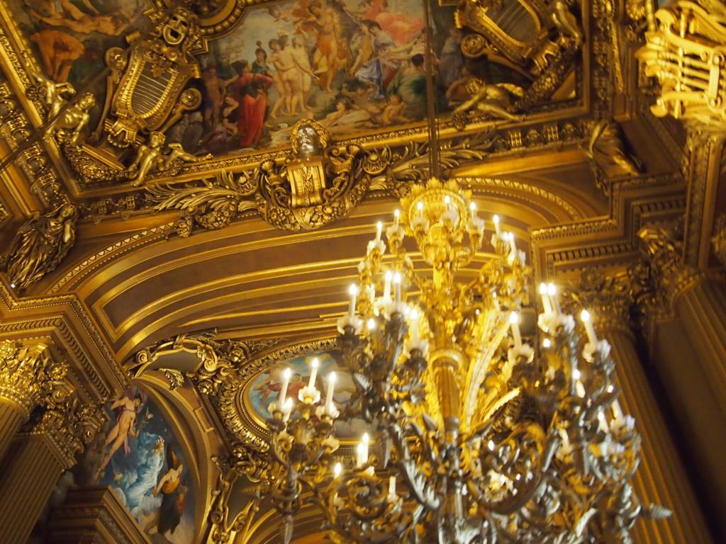 パリ-オペラ座-ホワイエ-装飾