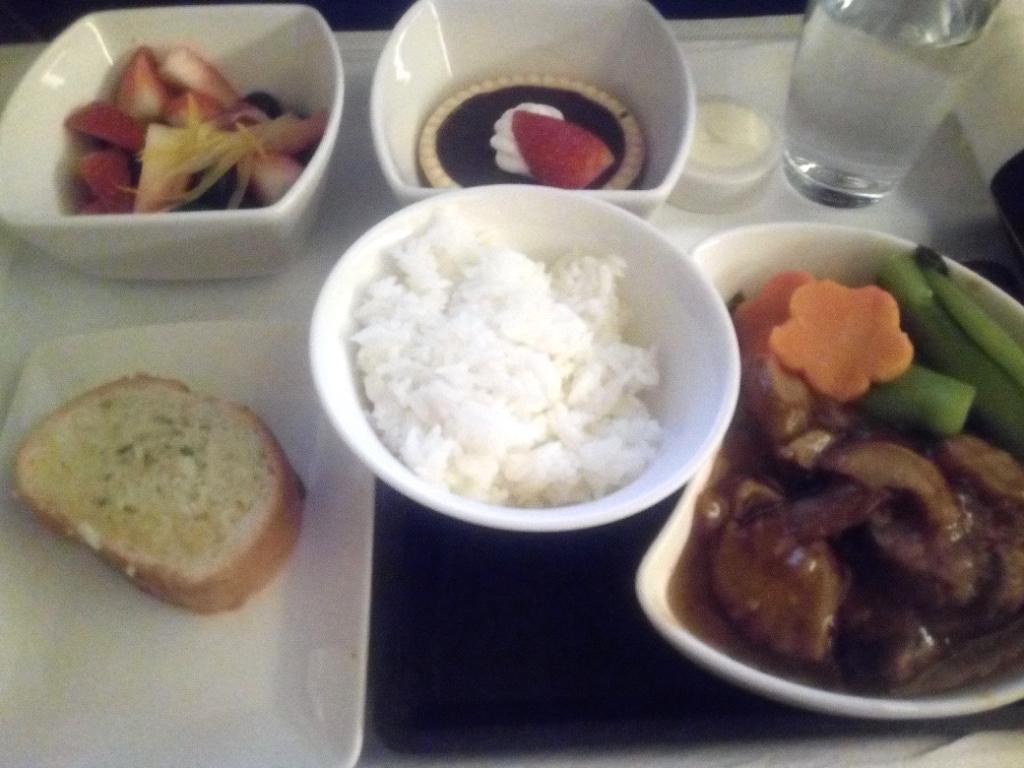 キャセイパシフィック航空-ビジネスクラス-機内食