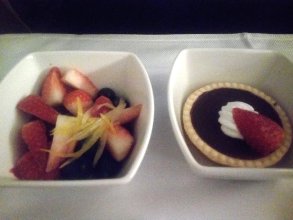 キャセイパシフィック航空-ビジネスクラス-機内食-デザート
