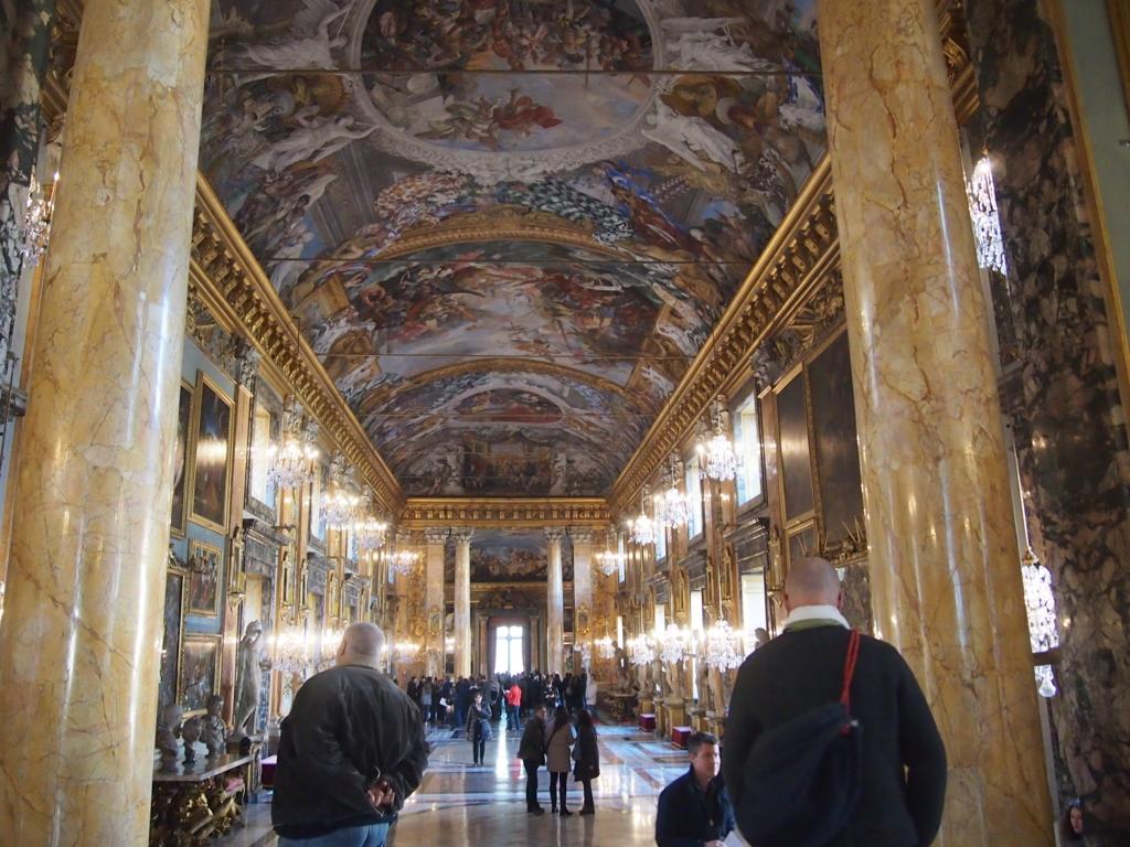 ローマの休日-コロンナギャラリー-アン王女