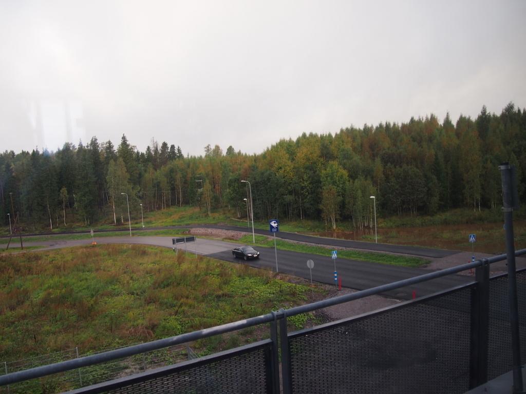 ヘルシンキ-空港線-郊外