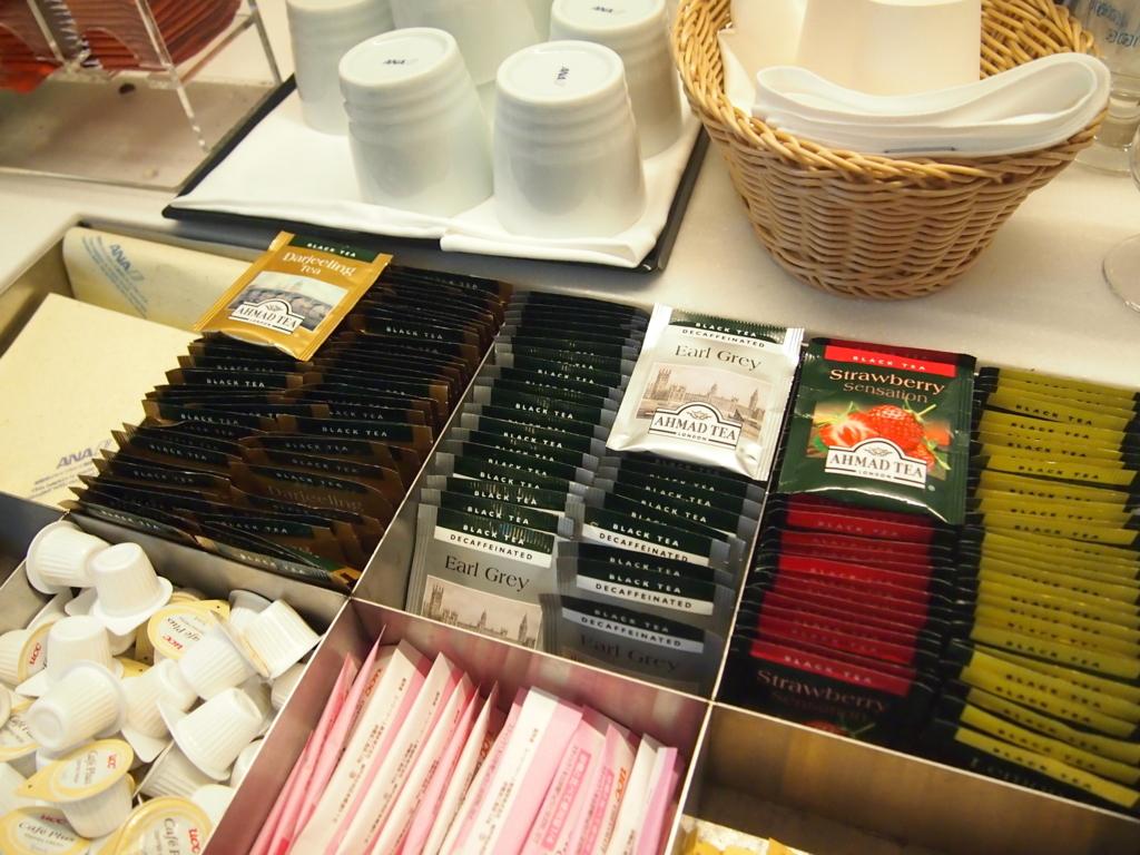 羽田空港-ANA-国際線-ビジネスラウンジ-紅茶-ahmad