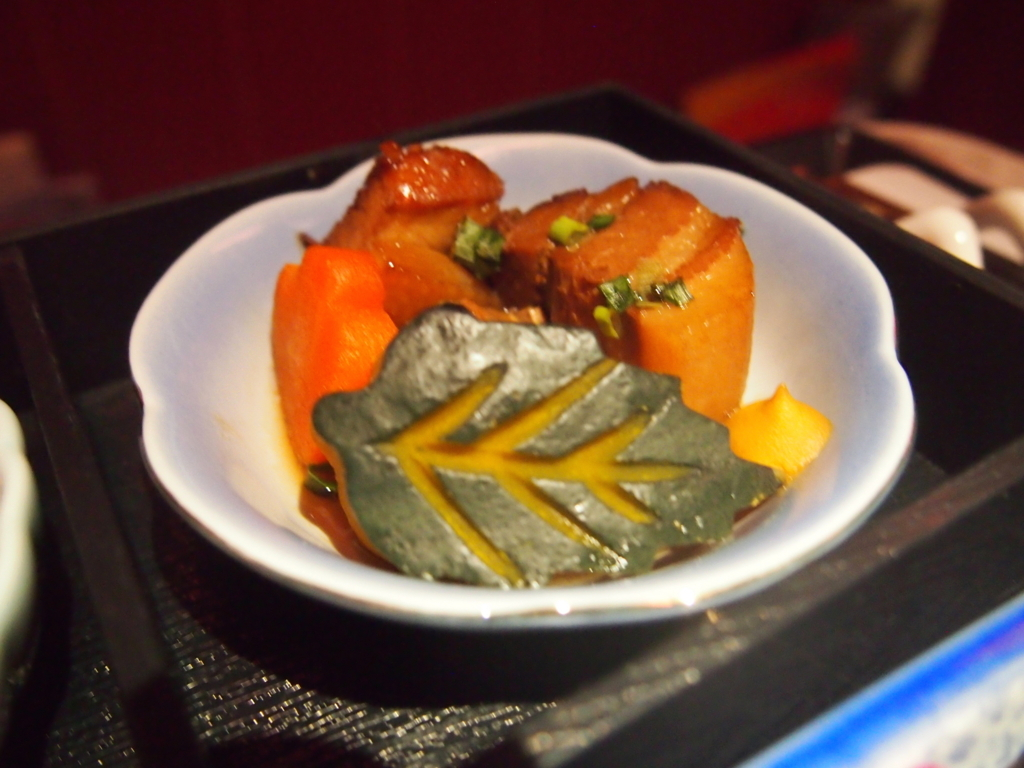 海南航空-ビジネスクラス-近距離-機内食-角煮