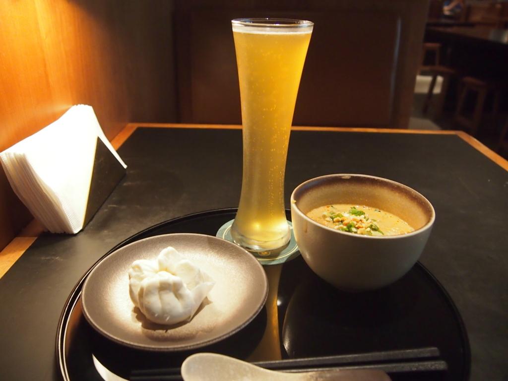 キャセイ_担々麺_ビール