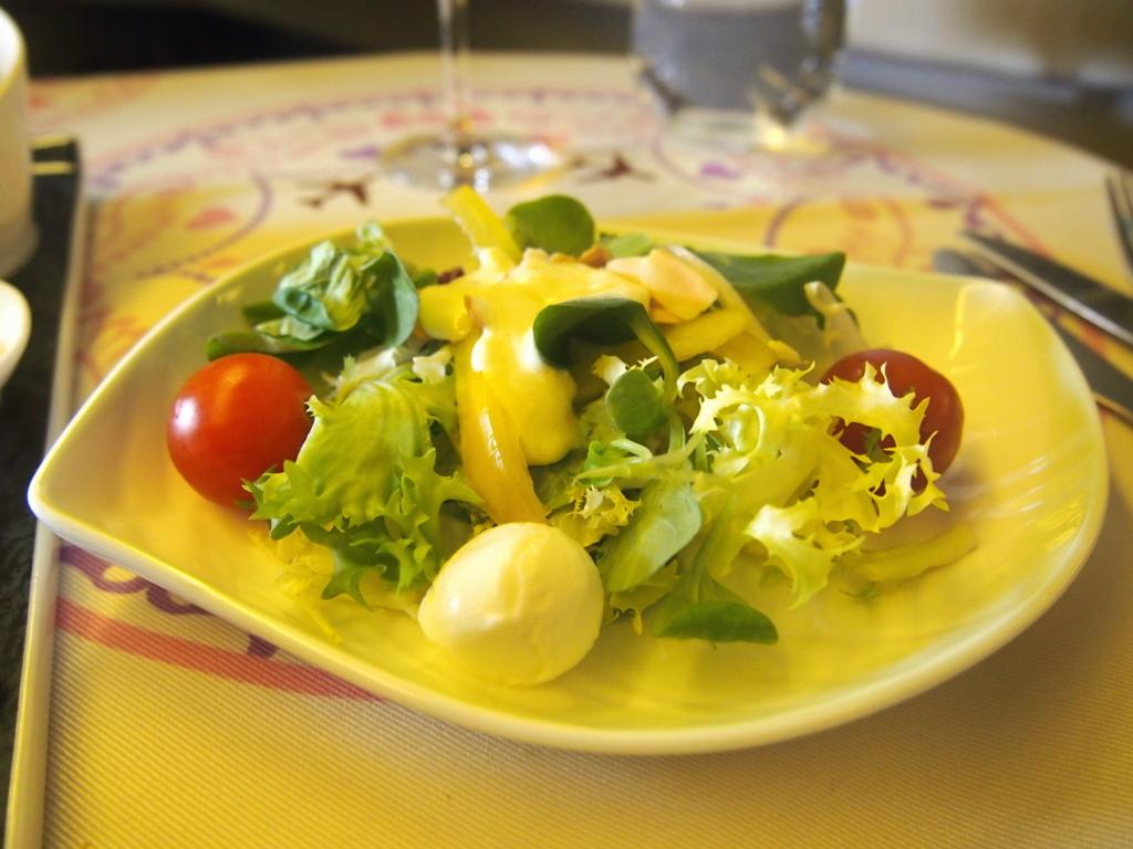 エバー航空-ビジネスクラス-機内食-サラダ