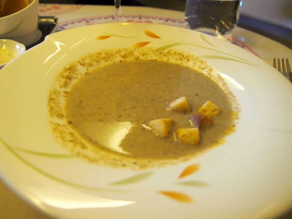 エバー航空-ビジネスクラス-機内食-スープ