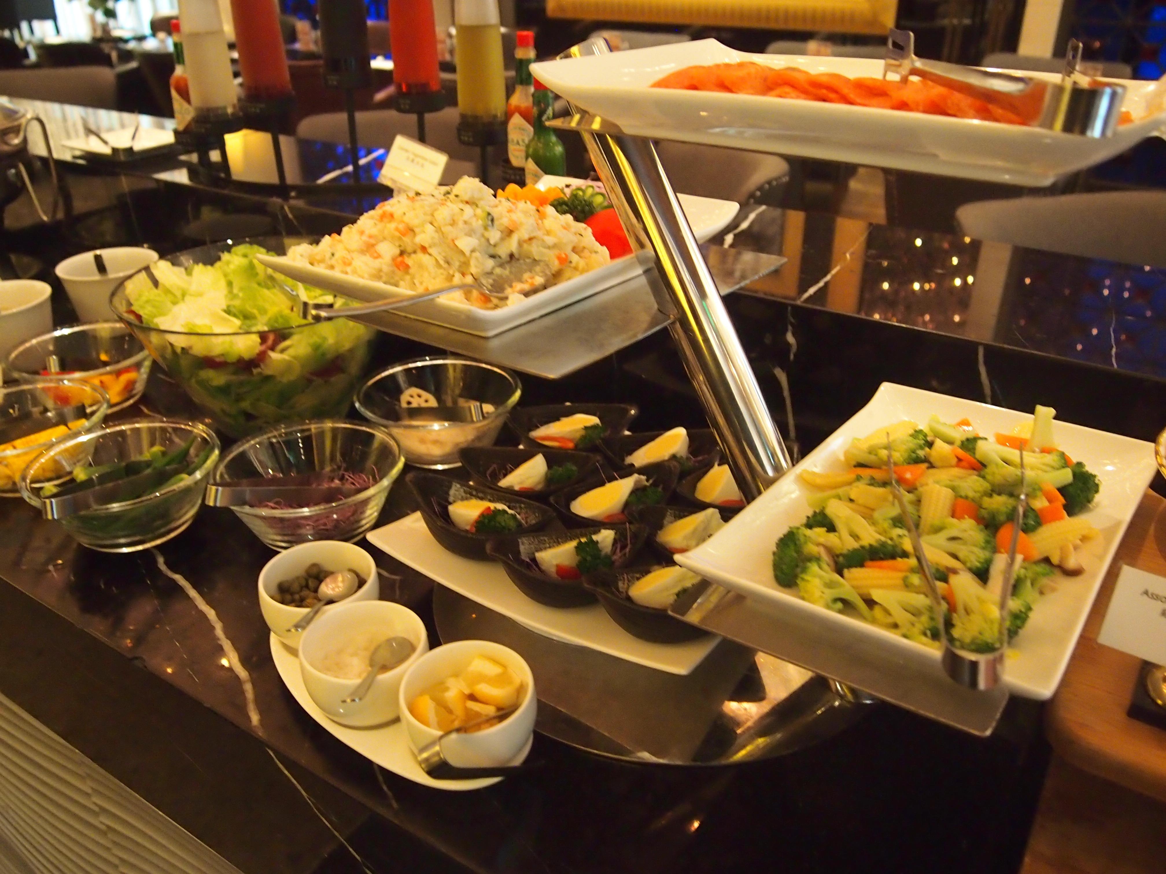台北-Hotel Eclat-朝食-サラダ