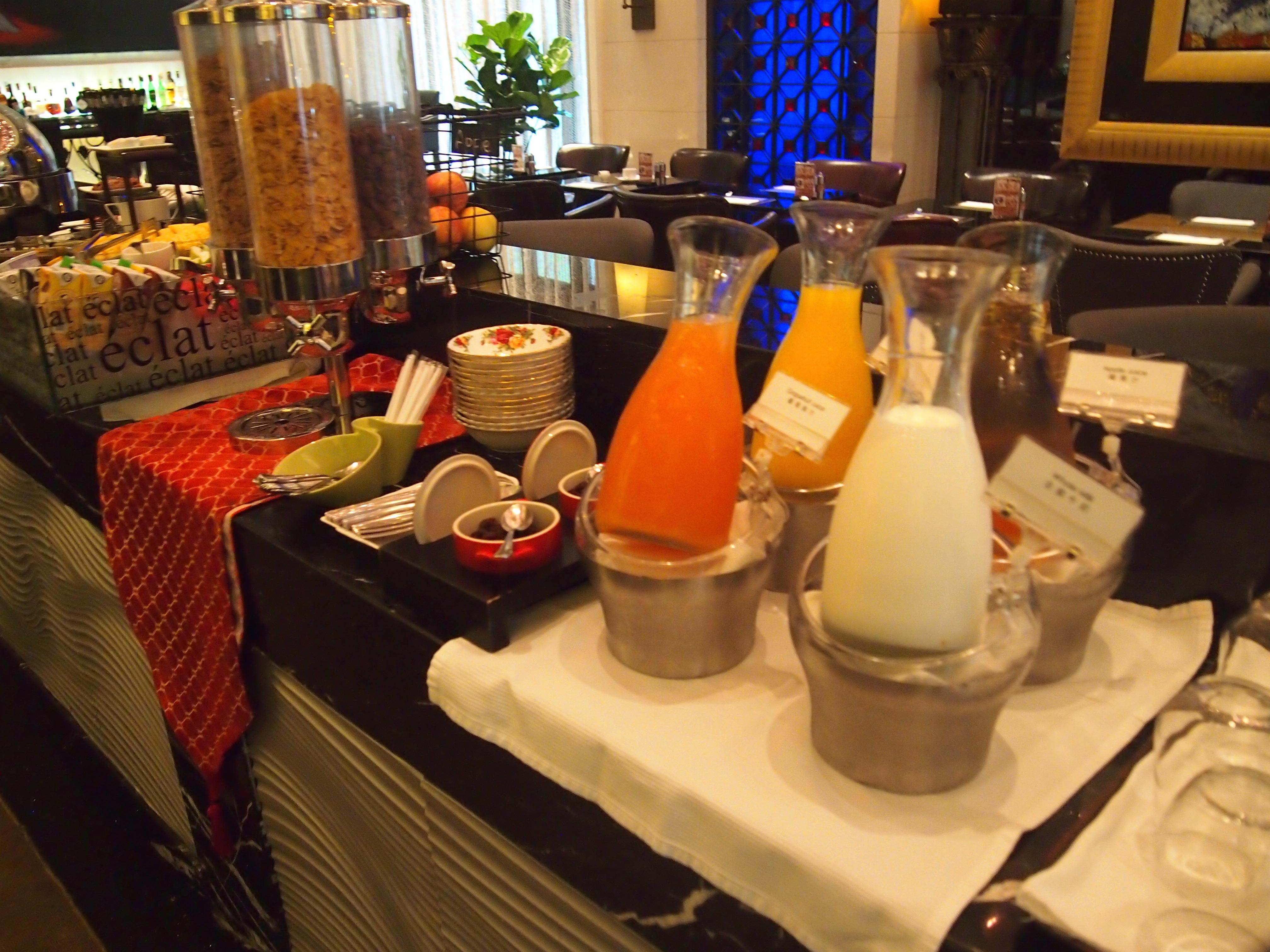 台北-Hotel Eclat-朝食-飲み物