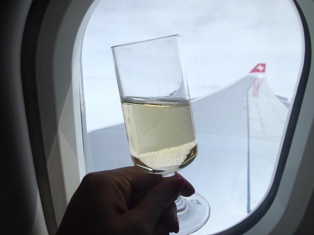 スイス航空-ビジネスクラス-シャンパン