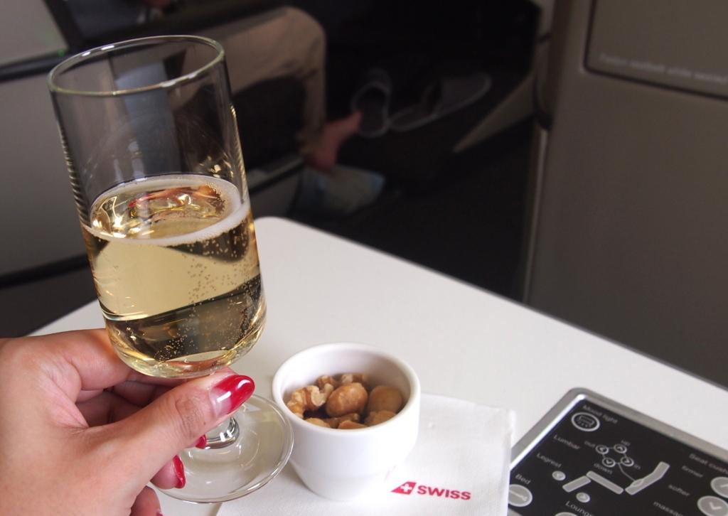 スイス航空-ビジネスクラス-ナッツ