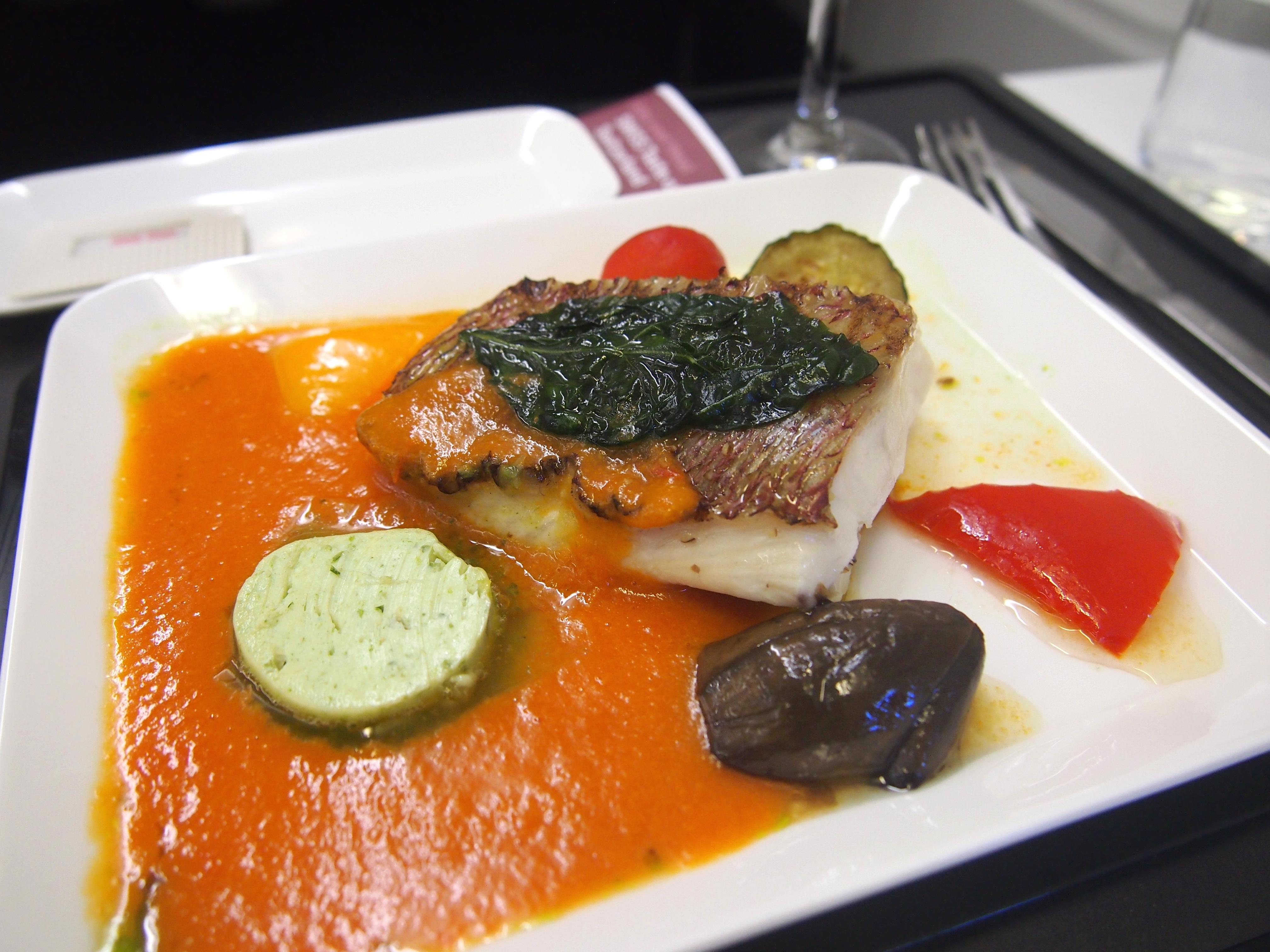 スイス航空-ビジネスクラス-機内食-メイン-魚