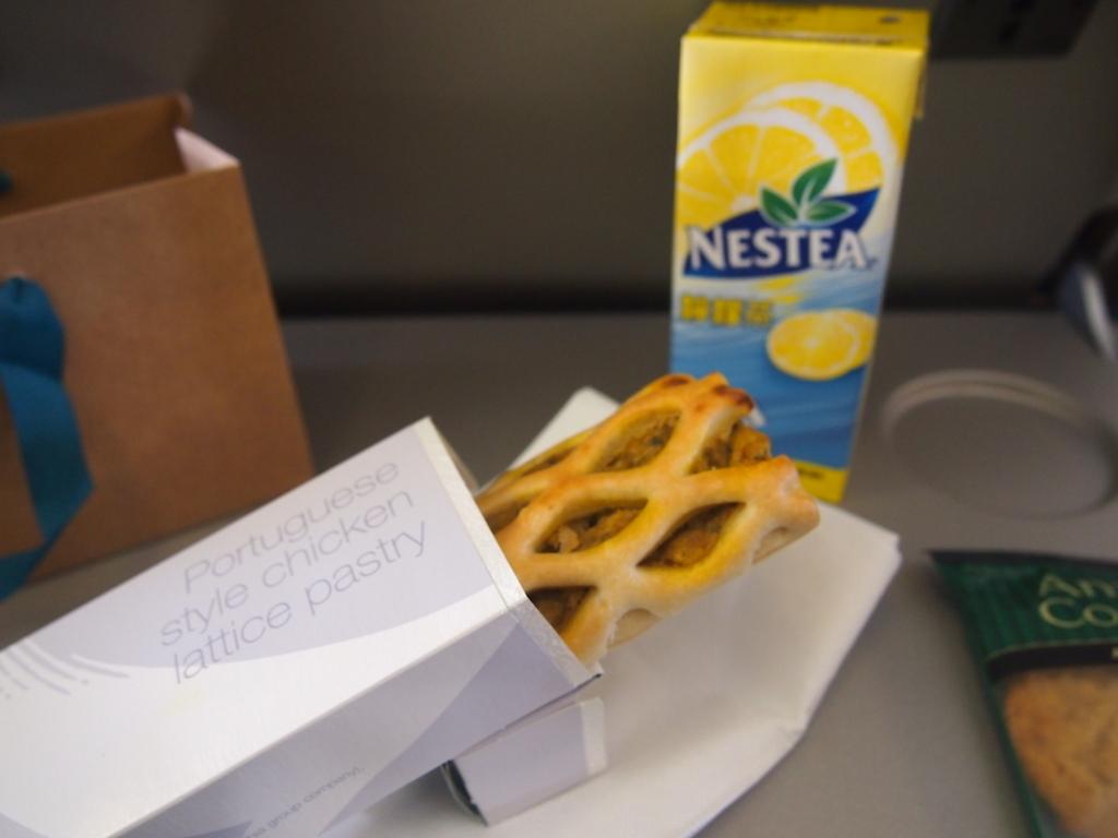 キャセイパシフィック航空-エコノミーー機内食