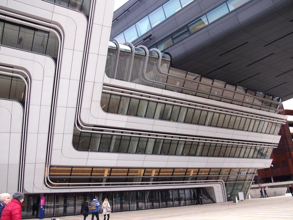 ウィーン経済大学_図書館_ザハ
