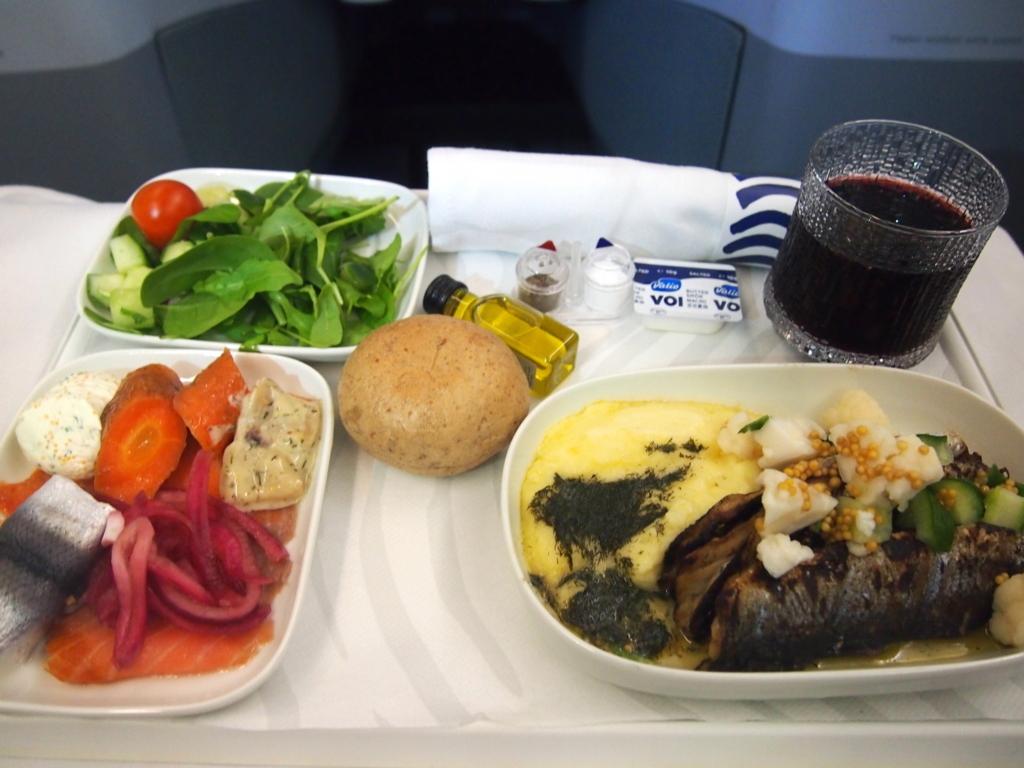 フィンエアー-ビジネスクラス-機内食