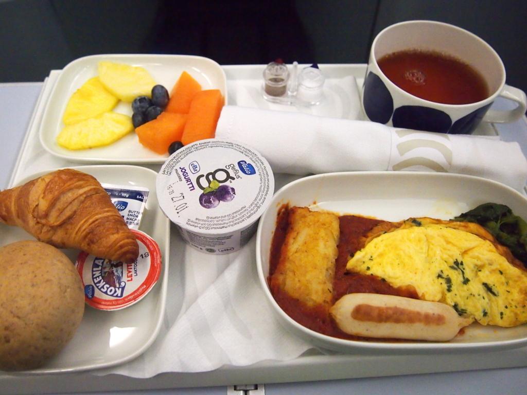 フィンエアー-ビジネスクラス-機内食-朝食