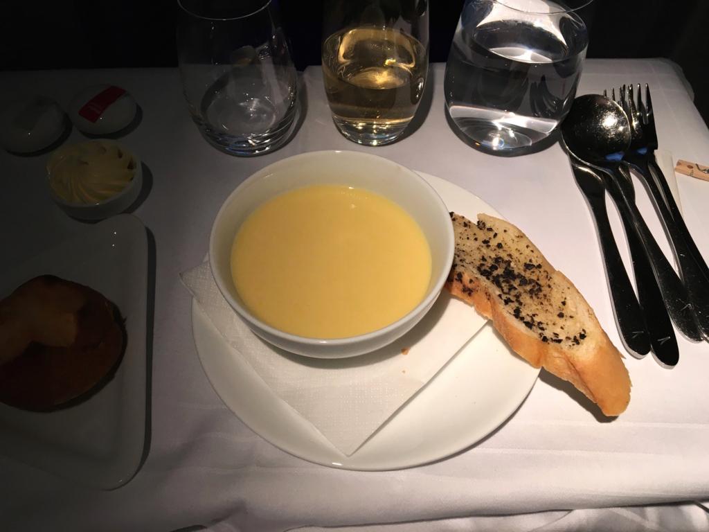 オーストリア航空-機内食-スープ