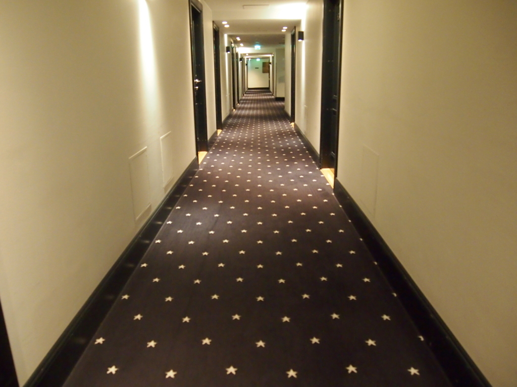 ヘルシンキ-ホテル-リラロバーツ-廊下
