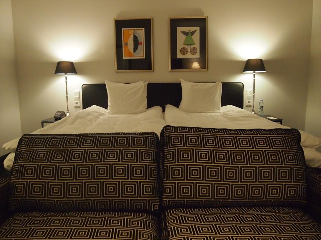 ヘルシンキ-ホテル-リラロバーツ-ベッド