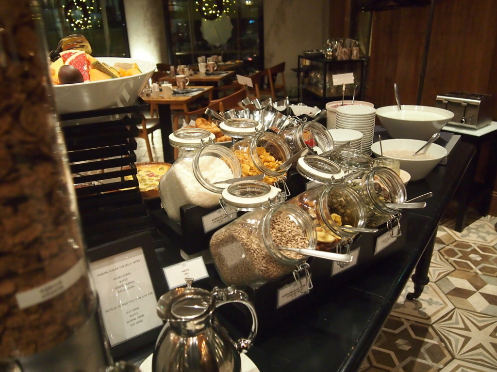 ヘルシンキホテル-リラロバーツ-朝食-シリアル