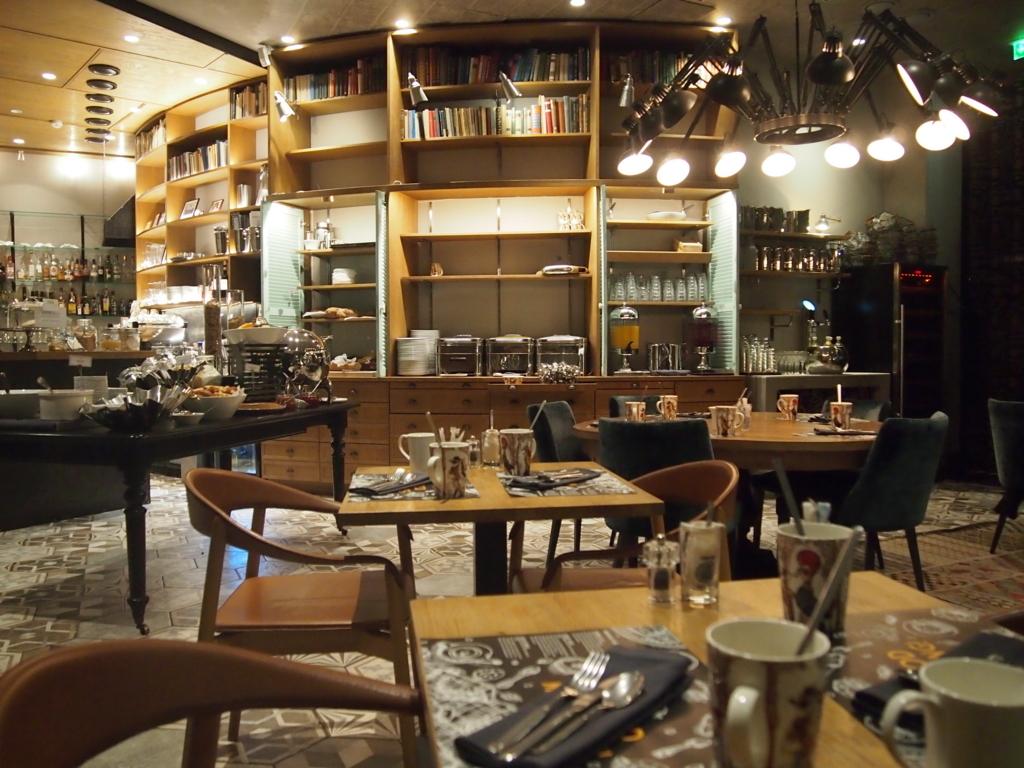 ヘルシンキホテル-リラロバーツ-朝食-レストラン