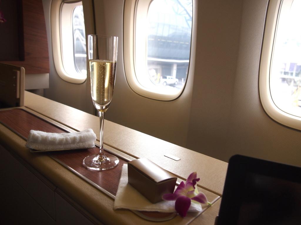 タイ国際航空-ファーストクラス-ドンペリ