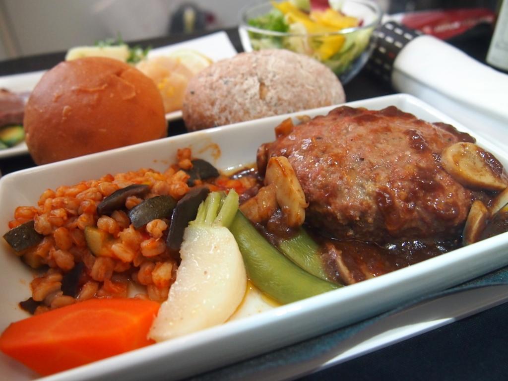 JAL-ビジネスクラス-機内食-上海-洋食-メイン