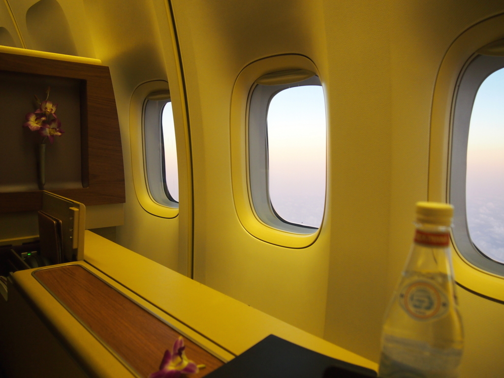 タイ国際航空-バンコク-羽田-ファーストクラス