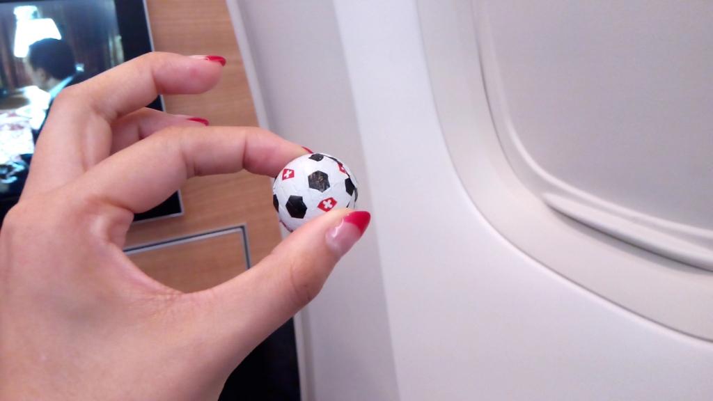 スイス航空-ビジネスクラス-機内食-チョコレート