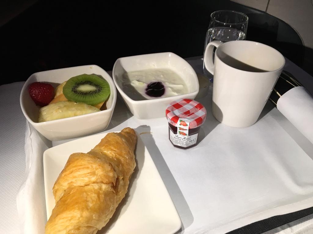 キャセイパシフィック-ビジネスクラス-機内食-朝食