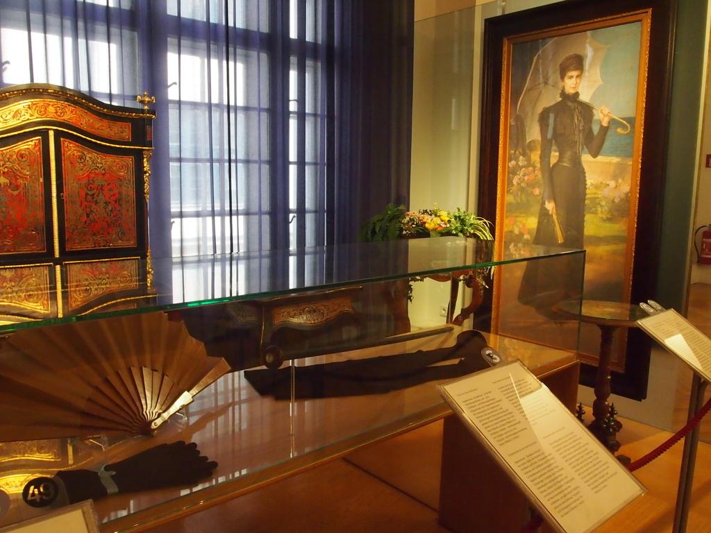 ウィーン-宮廷家具博物館-シシィ