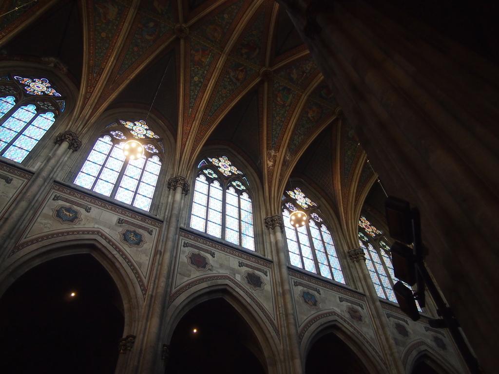 ヴォティーフ教会-ステンドグラス