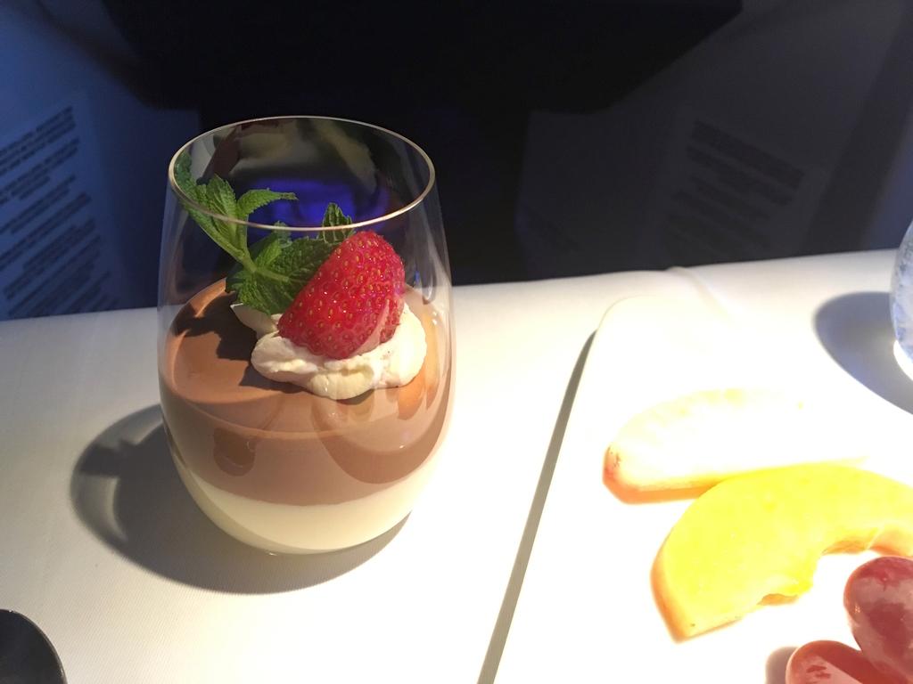 オーストリア航空-ビジネスクラス-機内食-チョコムース