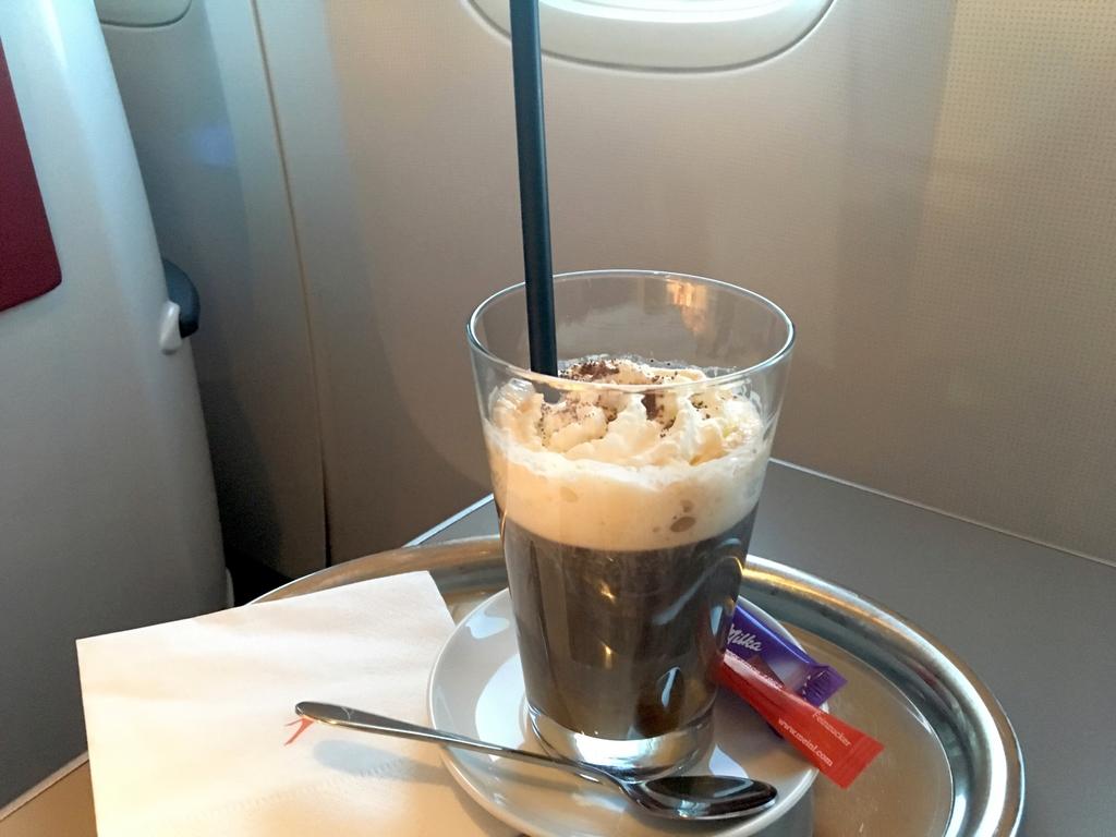 オーストリア航空-ビジネスクラス-シート-機内食-カフェメニュー