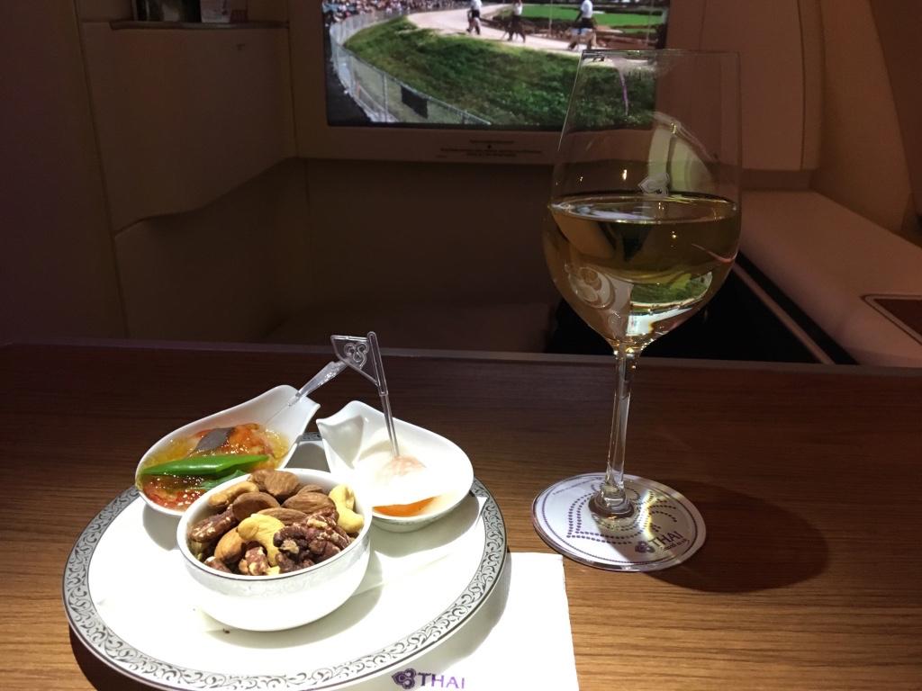 タイ国際航空-ファーストクラス-白ワイン