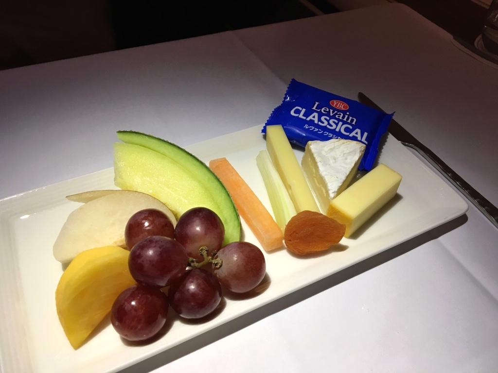 タイ国際航空-ファーストクラス-機内食-チーズ