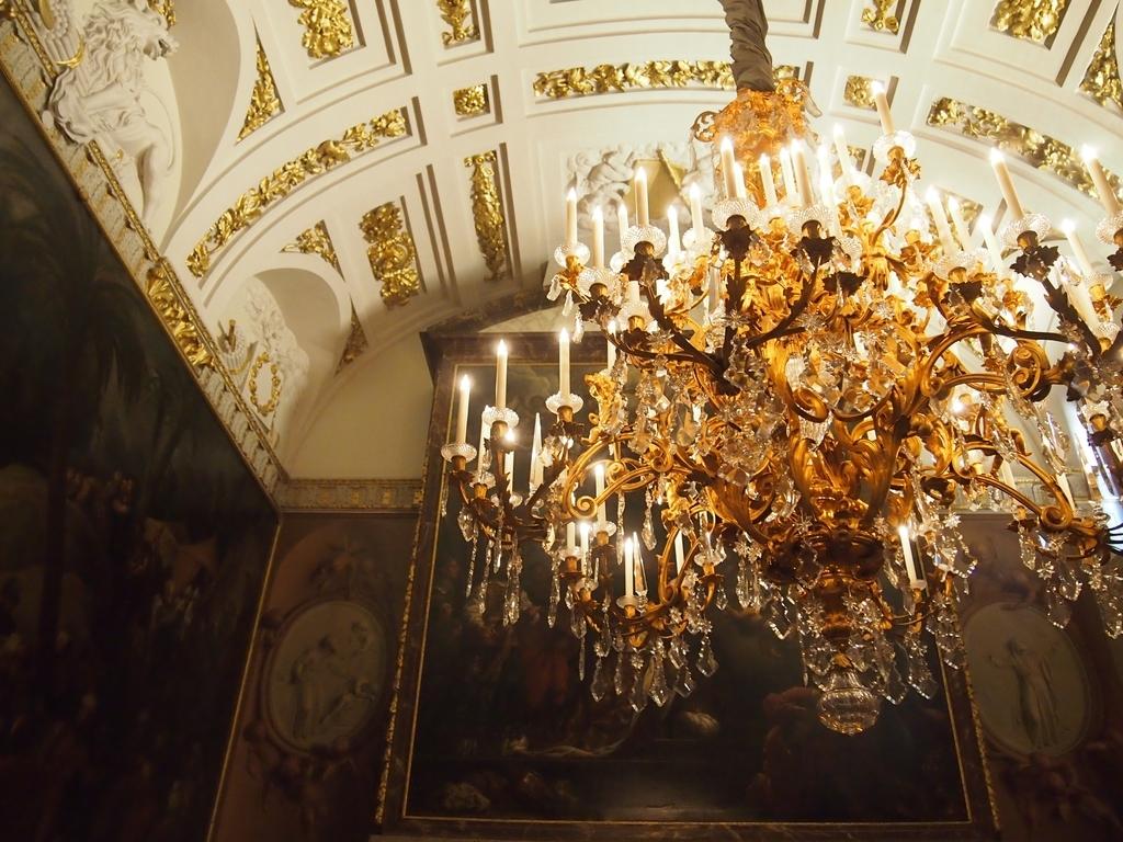 アムステルダム-王宮-シャンデリア