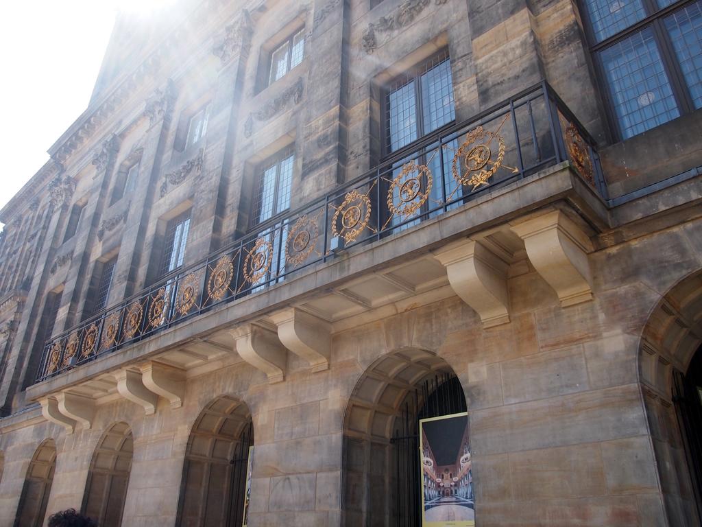 アムステルダム-王宮-外観