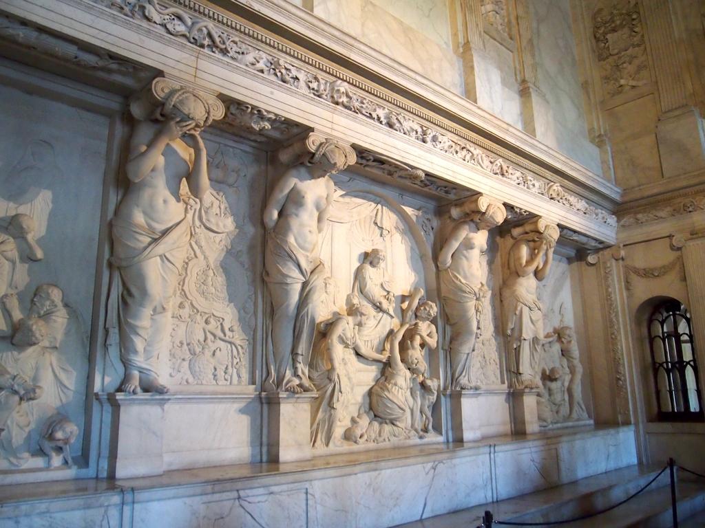 アムステルダム-王宮-彫刻
