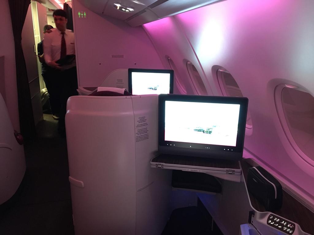 カタール航空-ビジネスクラス-シート