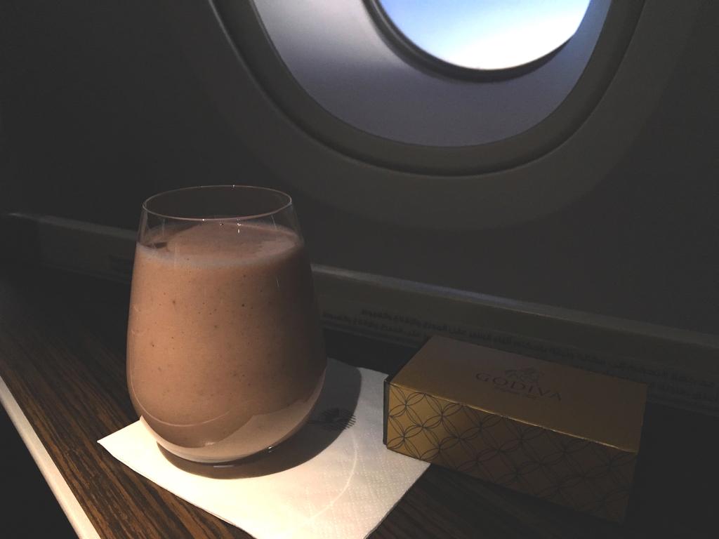 カタール航空-ビジネスクラス-機内食-スムージー