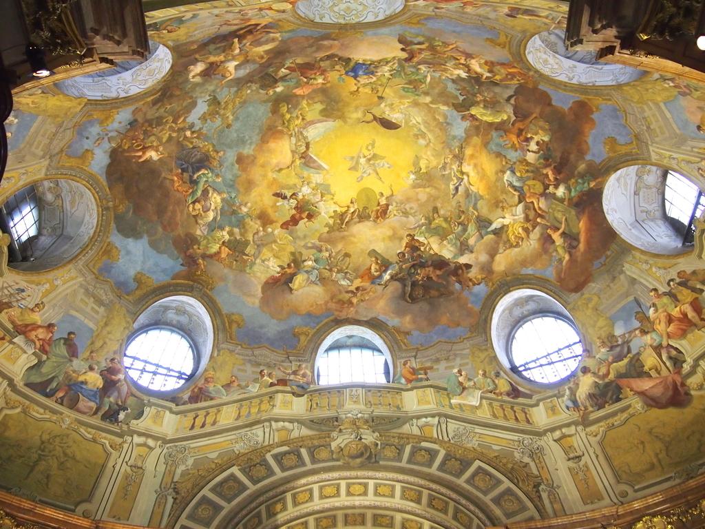 ウィーン-オーストリア国立図書館-天井画