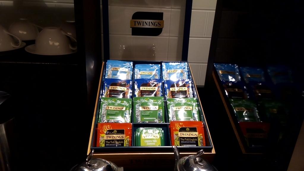 チャンギ-ブリティッシュエアウェイズ-ラウンジ-紅茶
