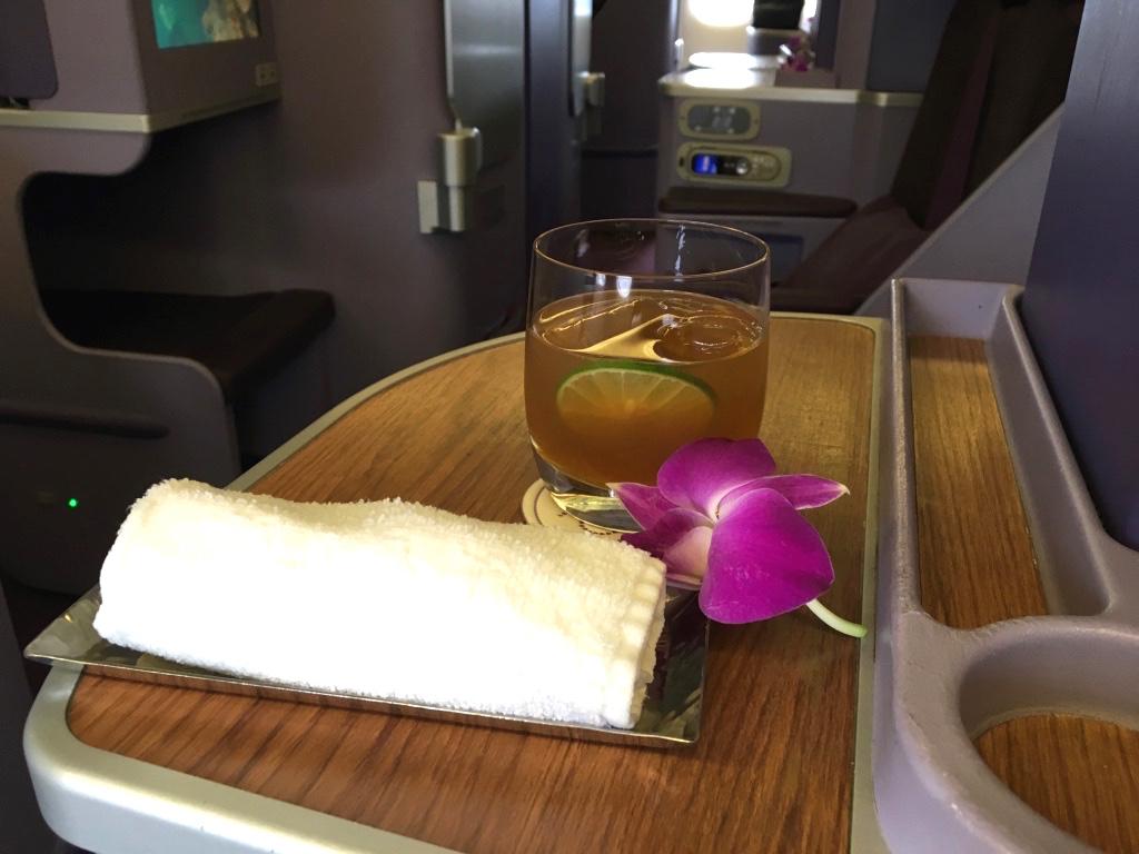 タイ国際航空-ビジネスクラス-ウェルカムドリンク