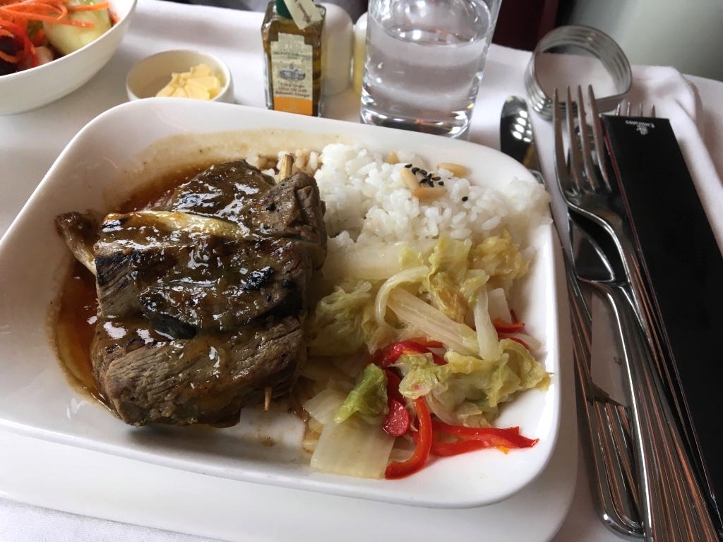 エミレーツ航空-ビジネスクラス-機内食