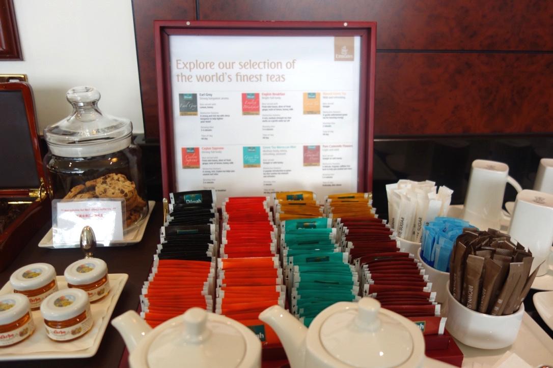 香港空港-エミレーツラウンジ-紅茶