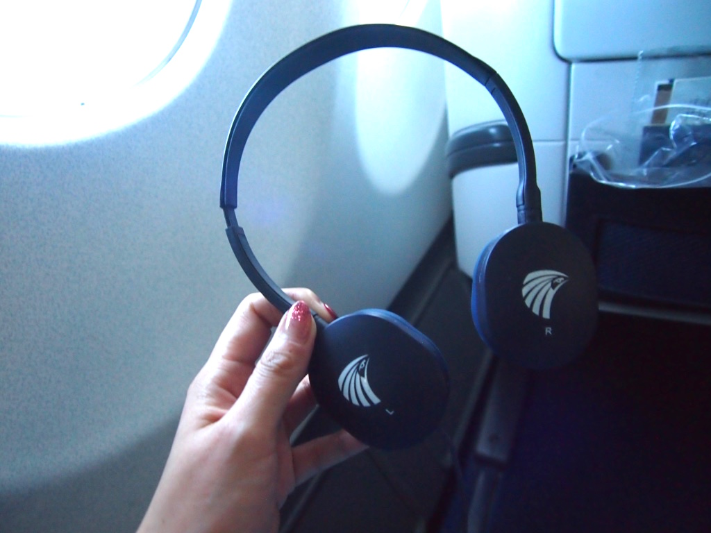 エジプト航空-ビジネスクラス-ヘッドフォン