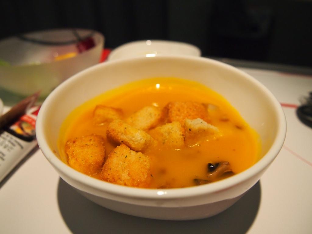チェコ航空-ビジネスクラス-機内食-スープ