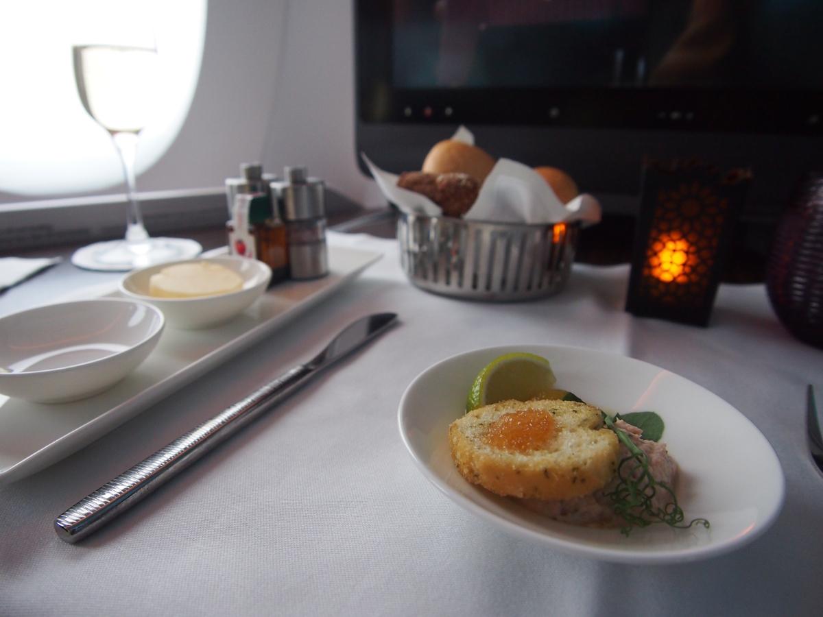 カタール航空-ビジネスクラス-機内食