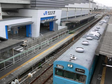 南田辺駅地平ホーム