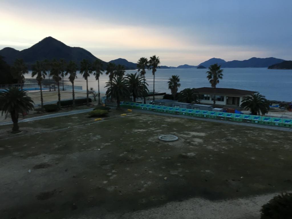 休暇村 大久野島 部屋から 夜明け前